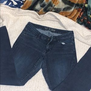 2 pairs of Old Navy Regular size 10 jeans